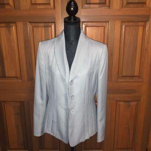 NWT. Le Suit 2-piece Blazer & Pant Suit.